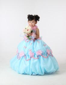 3歳水色のドレスでお写真を撮りました♪「かわいかったよ〜」 七五三 ブルーのドレス