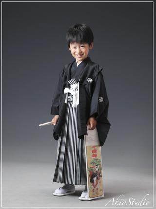 七五三なら東京練馬の写真館アキオスタジオ お宮参り・成人式の記念写真 石神井フォトスタジオ