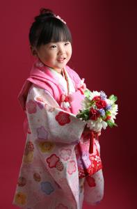 お着物&お花もステキなのです! 七五三3歳 練馬区西大泉よりありがとうございます
