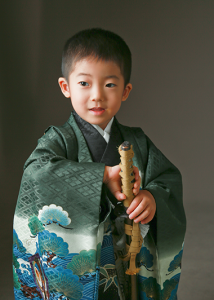 スムーズに撮影できてお参りでも元気・・・七五三5歳 練馬区石神井台よりご来店ありがとうございます